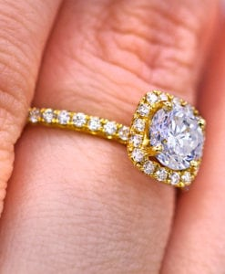 0.90 ct Round Halo Diamond Engagement Ring